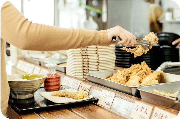 After received your order (udon),let's move to tempura section.Take a plate and pick up fresh tempura.